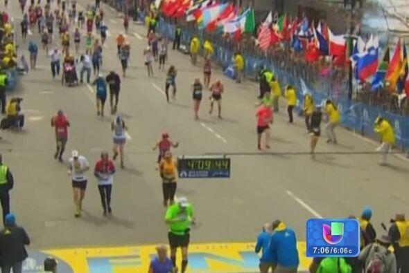 Ataque al maratón de Boston. Dos individuos de origen checheno colocan b...