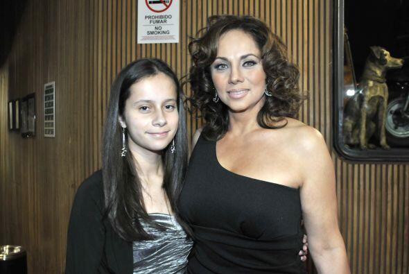Cecilia Gabriela asistió a esta noche de gala con su hija. ¿Quiénes son...