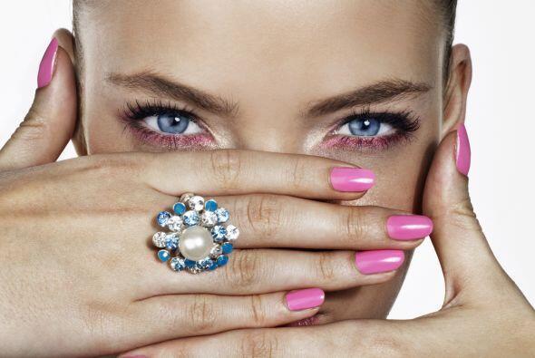 Recuerda que unas uñas bellas siempre te harán lucir coqueta y muy femen...