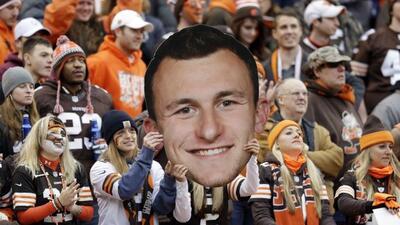 Los aficionados de los Browns confiaron en el novato (AP-NFL).