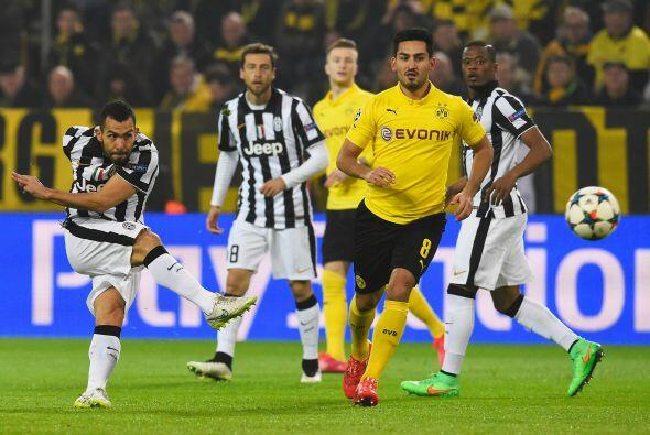 Carlos Tevez abriría el marcador con un gol casi de vestidor al minuto 3...