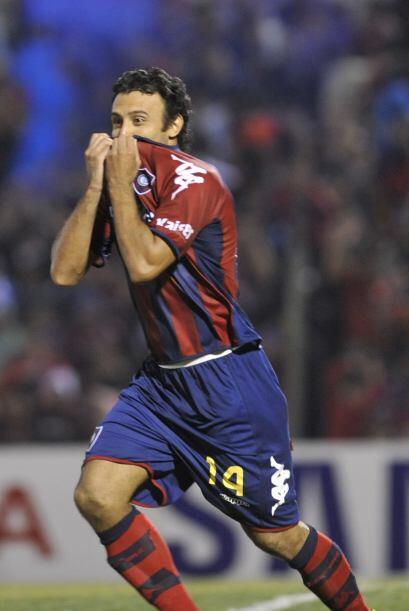 Javier Villarreal, de Cerro Porteño,  pateó el útlimo penal de la serie...