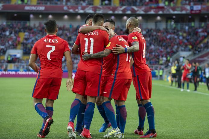 La selección chilena igualó 1-1 con Australia en un partido que sufrió h...
