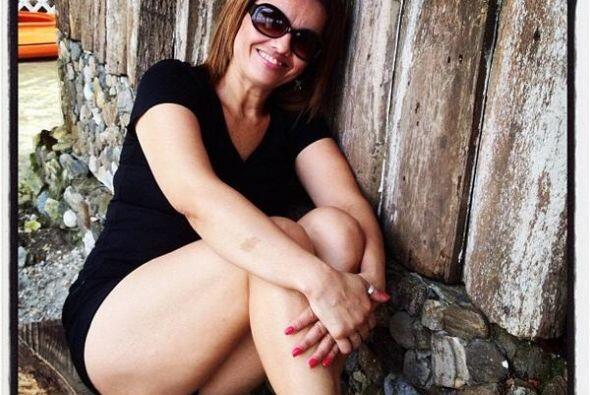 @RiveraJaki: #Yosoytona ¡Muy orgullosa a mis 45 años!