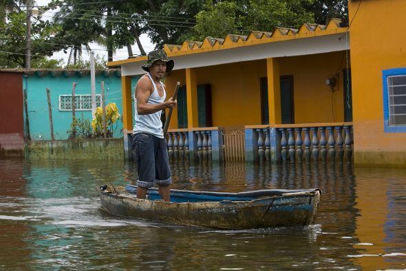 El gobernador de Veracruz Fidel Herrera señaló que 112 de los 274 munici...
