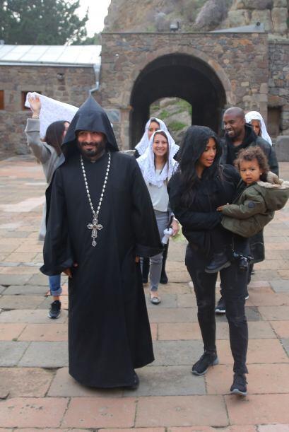 Por supuesto que cada momento del recorrido de las Kardashian por Armeni...