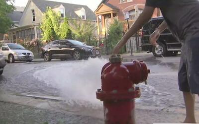 Residentes que no cuentan con aire acondicionado padecen el calor de Chi...