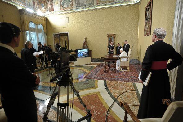 """Benedicto XVI, hablando desde la biblioteca del Vaticano, destacó """"la va..."""