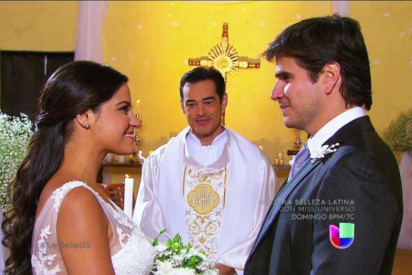 Por fin llegaron al altar Pablo y Esmeralda, ¡cuánto tiempo esperamos pa...