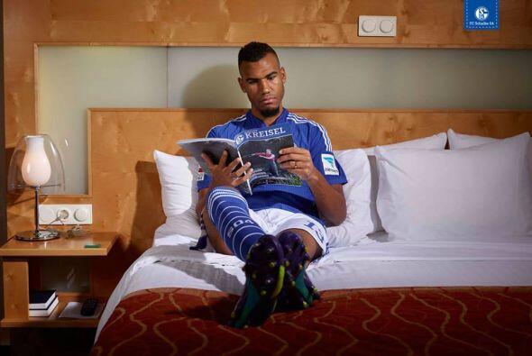 A  Eric Choupo-Moting, le gusta leer en su tiempo libre.