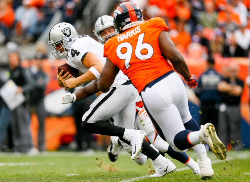 De hecho, los Broncos castigaron al running back Marshawn Lynch y enviar...