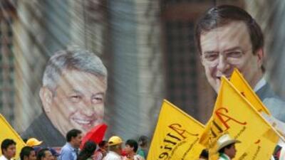Manuel López Obrador y el alcalde de la Ciudad de México, Marcelo Ebrard...
