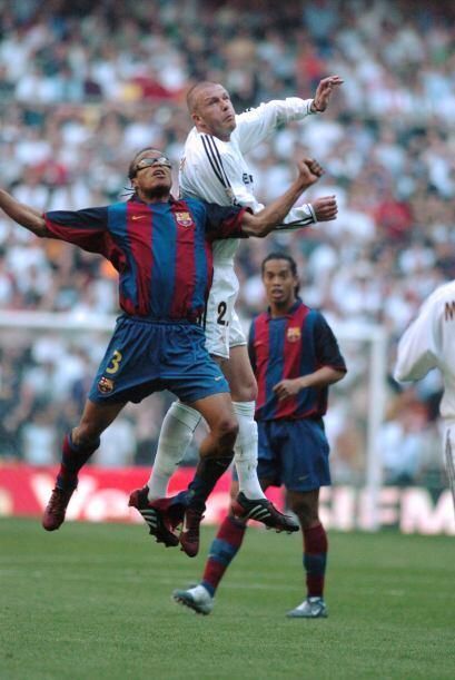 David Beckham y Edgar Davids pasaron por este 'derby'.
