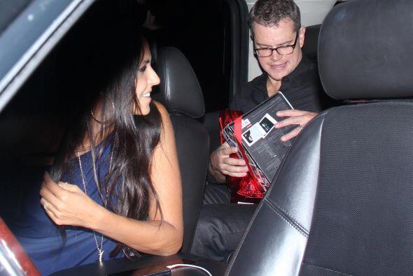 Y por lo que se ve, Matt quiere echar mano cuanto antes de la camarita....