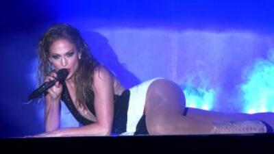 La cantante tiene una coreografía muy sugestiva.