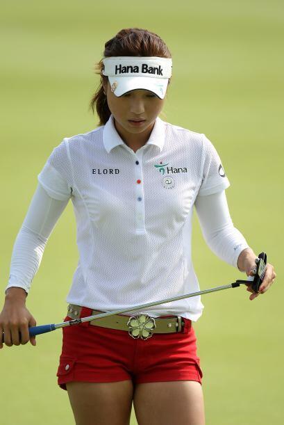 La linda coreana Hee Young Park ha creado bastante conmoción en los torn...