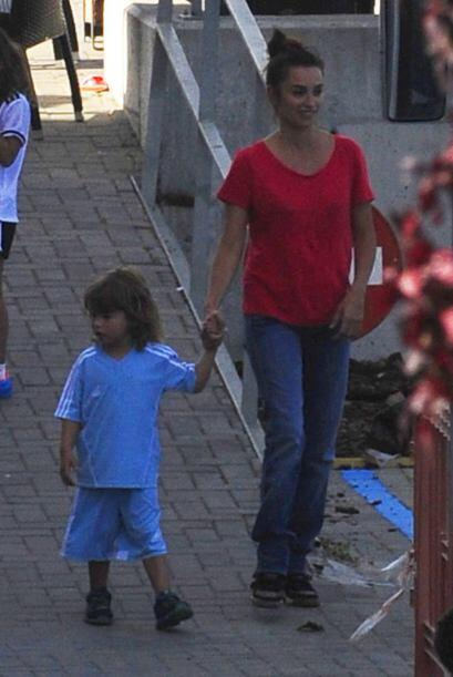 Para la guapa actriz madrileña ser madre la llena de orgullo y por ello,...