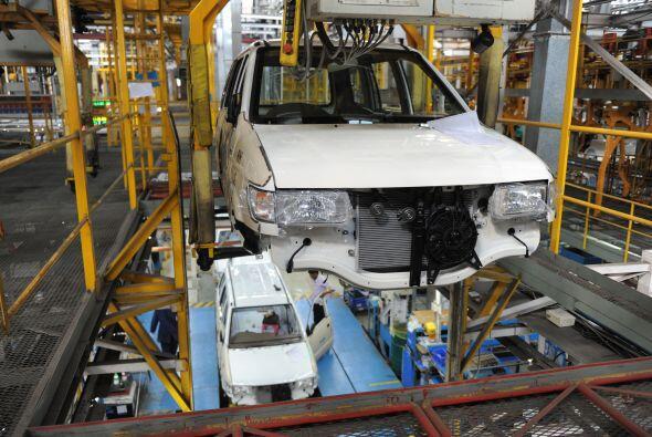 GM, primer fabricante mundial de automóviles, anunció una caída de 8.2%...