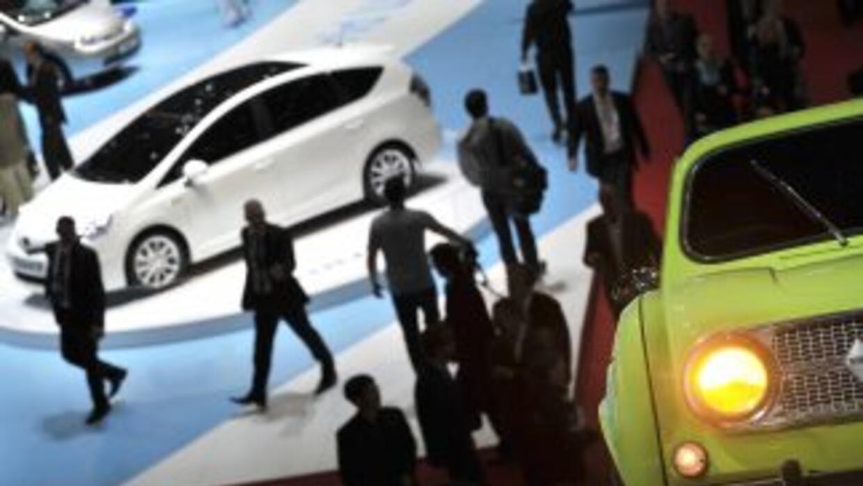 El Auto Show Ginebra 2011 abrió con gran optimismo y espera recibir a ca...