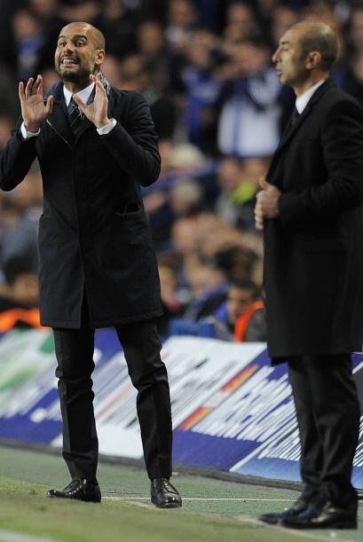 Josep Guardiola, entrenador barcelonista, no paraba de dar indicaciones...