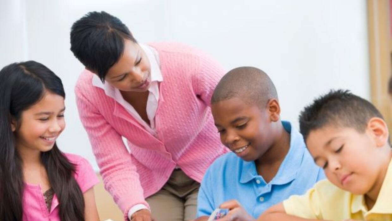 Una maestra efectiva puede adelantar el conocimiento de sus estudiantes...
