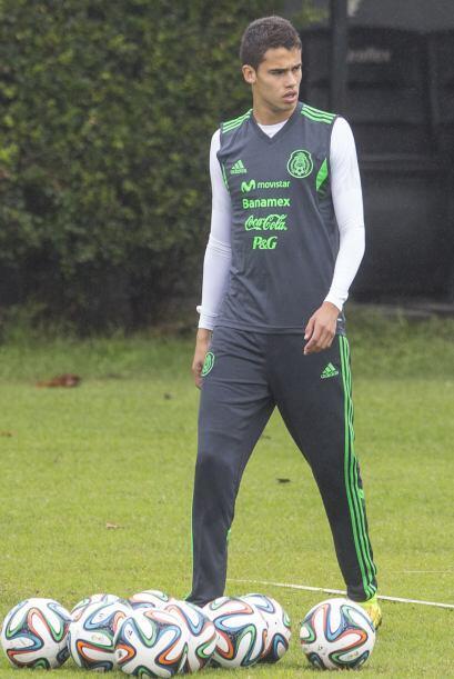 Diego Reyes aprende de sus compañeros con más experiencia.