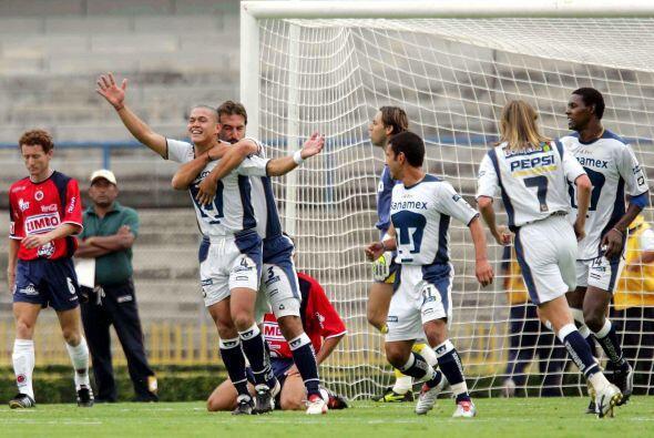 Pumas en el Apertura 2004 entró como noveno con 23 puntos. Bajo el mando...