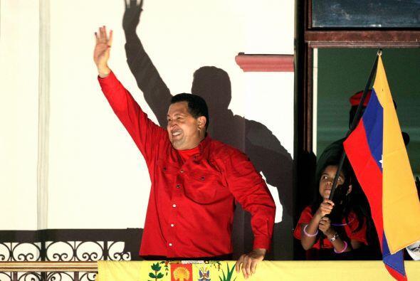 Octubre 7- Tras 14 años en el cargo, el presidente venezolano Hug...