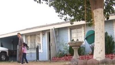 La familia Cuevas fue víctima de fraude y por poco pierden su hogar.