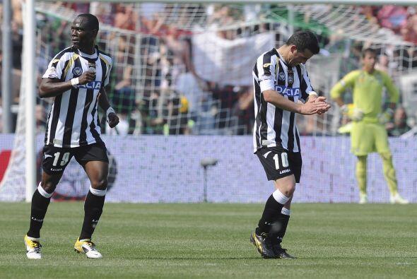 El 2-0 también fue obra de Di Natale cuando el rleoj marcaba las 42 minu...