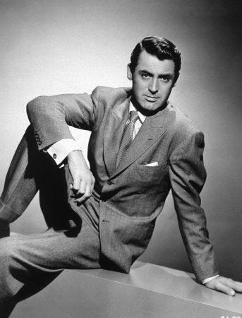 El actor, nacido en Inglaterra, protagonizó una serie de exitosas comedi...
