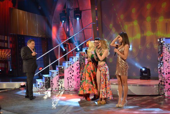 La ganadora fue acelyn que de inmediato abrazó a Paul y comenzó a celebrar.