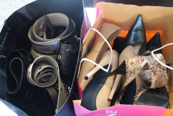 Ven a ver toda una selección de zapatos, cintos...