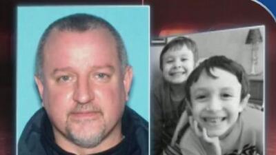 Detienen a sospechoso de asesinar a su esposa y huir con sus hijos