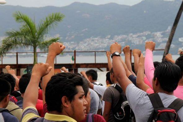 "Entre los manifestantes se escuchaban consignas como: ""De norte a sur, d..."