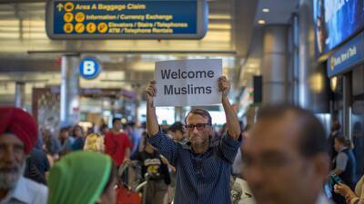 Protesta contra el veto migratorio de Trump en el aeropuerto internacion...