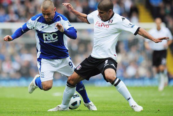 El zaguero salió del PSV en 2010 para firmar por tres años con el Fulham...