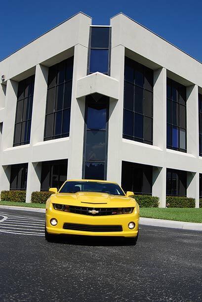 El Chevrolet Camaro 2010 refleja el legado de la primera generación, pro...