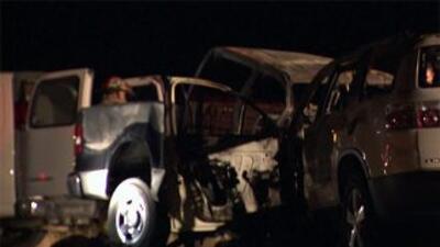 Autoridades indicaron que también murió el conductor de la camioneta que...