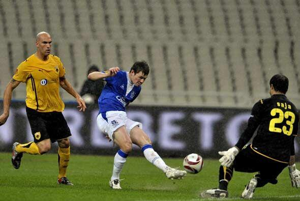 El Everton ganó como visitante al AEK Atenas.