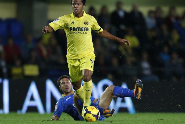 Giovani Dos Santos y el cuadro amarillo no empezaron con el pie derecho.
