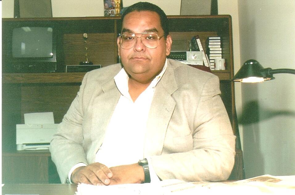 Antonio González Caballero Director de Noticias de WKAQ Radio en dos oc...