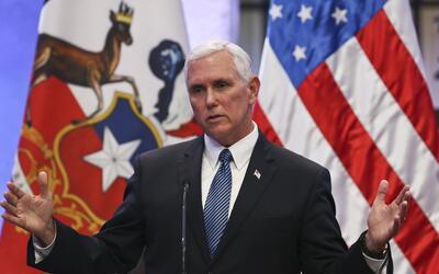 El vicepresidente de Estados Unidos, Mike Pence, habla en su visita a Ch...