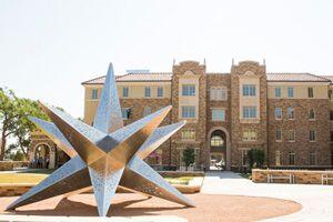TEXAS TECH UNIVERSITY.  Ubicada en Lubbock, Texas, esta universidad ofre...