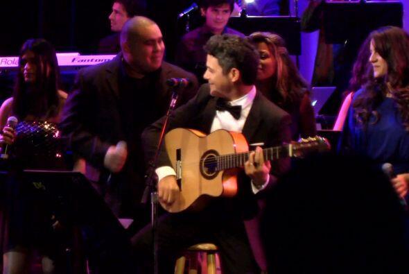 Sanz se unió a la orquesta compuesta por 40 estudiantes de la pre...