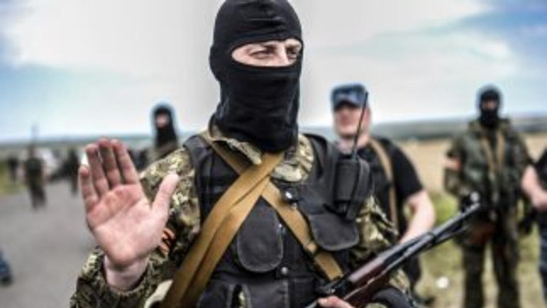 Los separatistas prorrusos reconocieron el domingo tener en su poder var...