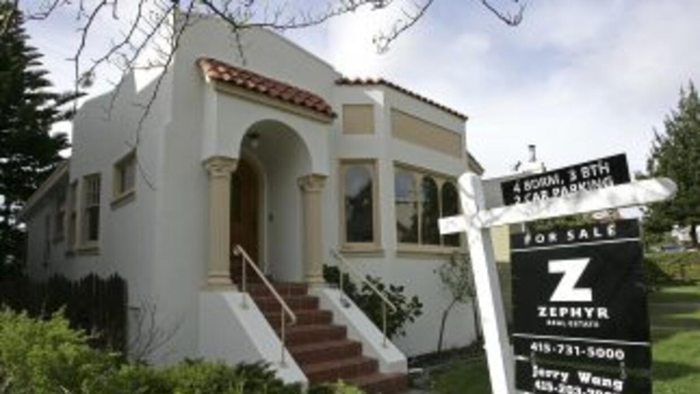 En las 20 mayores aglomeraciones urbanas estadounidenses, los precios de...