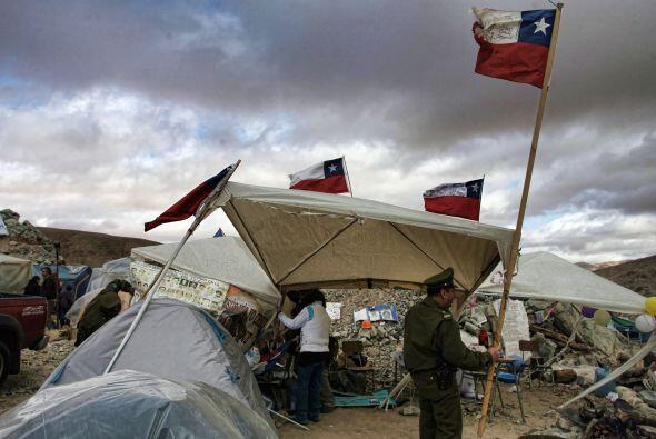 Los obreros chilenos pueden moverse en un área de aproximadamente un kil...