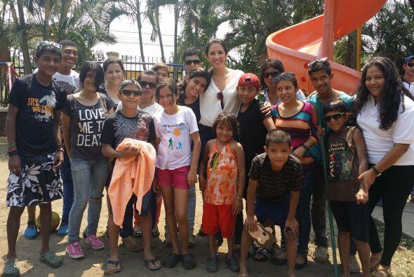 También tenía una cita con los pequeños de la Fundación Amor y Vida, la...