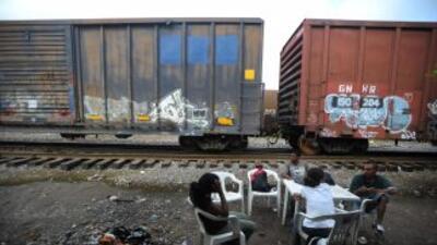 Migrantes centroamericanos sufren travesía en su paso por México hacia E...